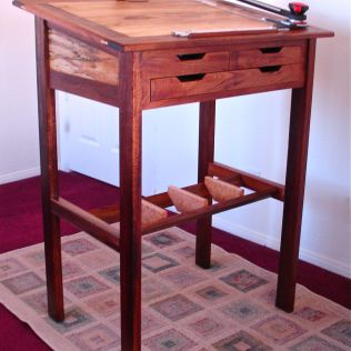 Stand-up Drafting Table