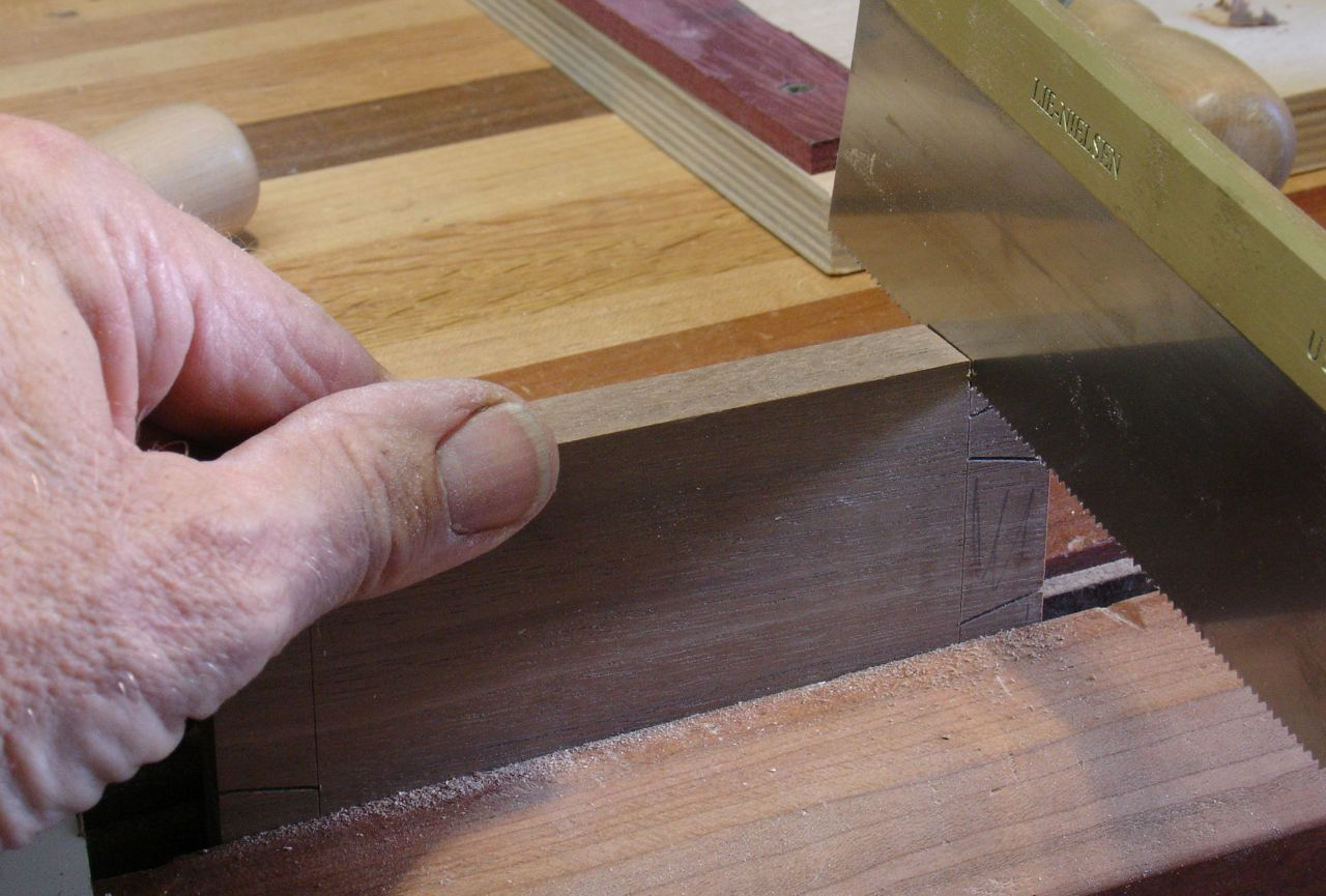 how to cut dovetails by hand