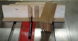 CustomWalnutBox-FingerJoints-WoodworksbyJohn-4