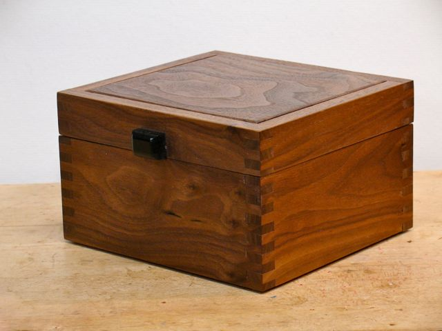 Walnut Amp Monkeypod Finger Jointed Boxes Done Woodworks