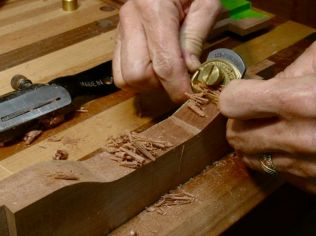 Spokeshaves to refine and smooth out cuts