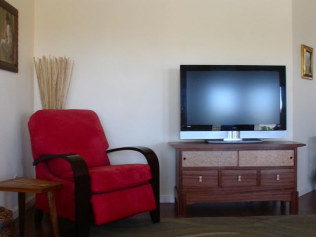 Woodworks by John: HDTV Stand