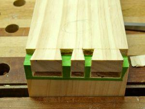 HandcutDovetails-Maskingtape-WoodworksbyJohn-Experiment-3