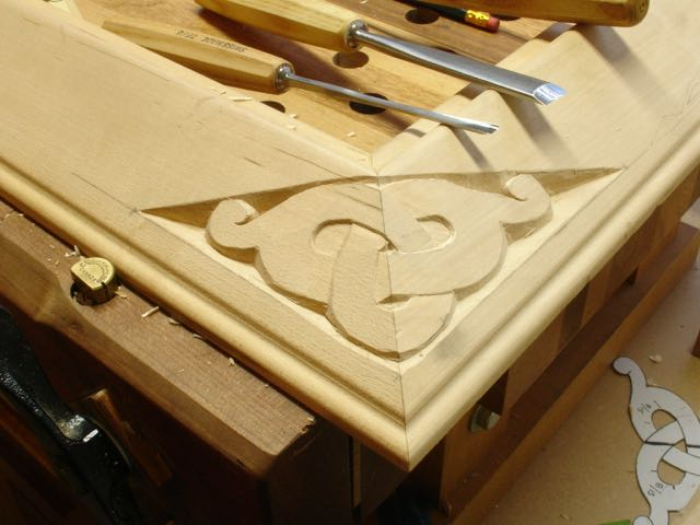 Carving scrolling drawing painting pyrography