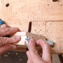 Chisel to cut angle
