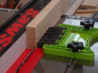 Cutting Angles, note my new feather board!