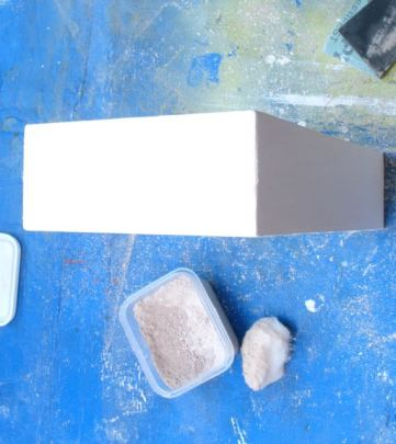 Disclosure whiting for sanding